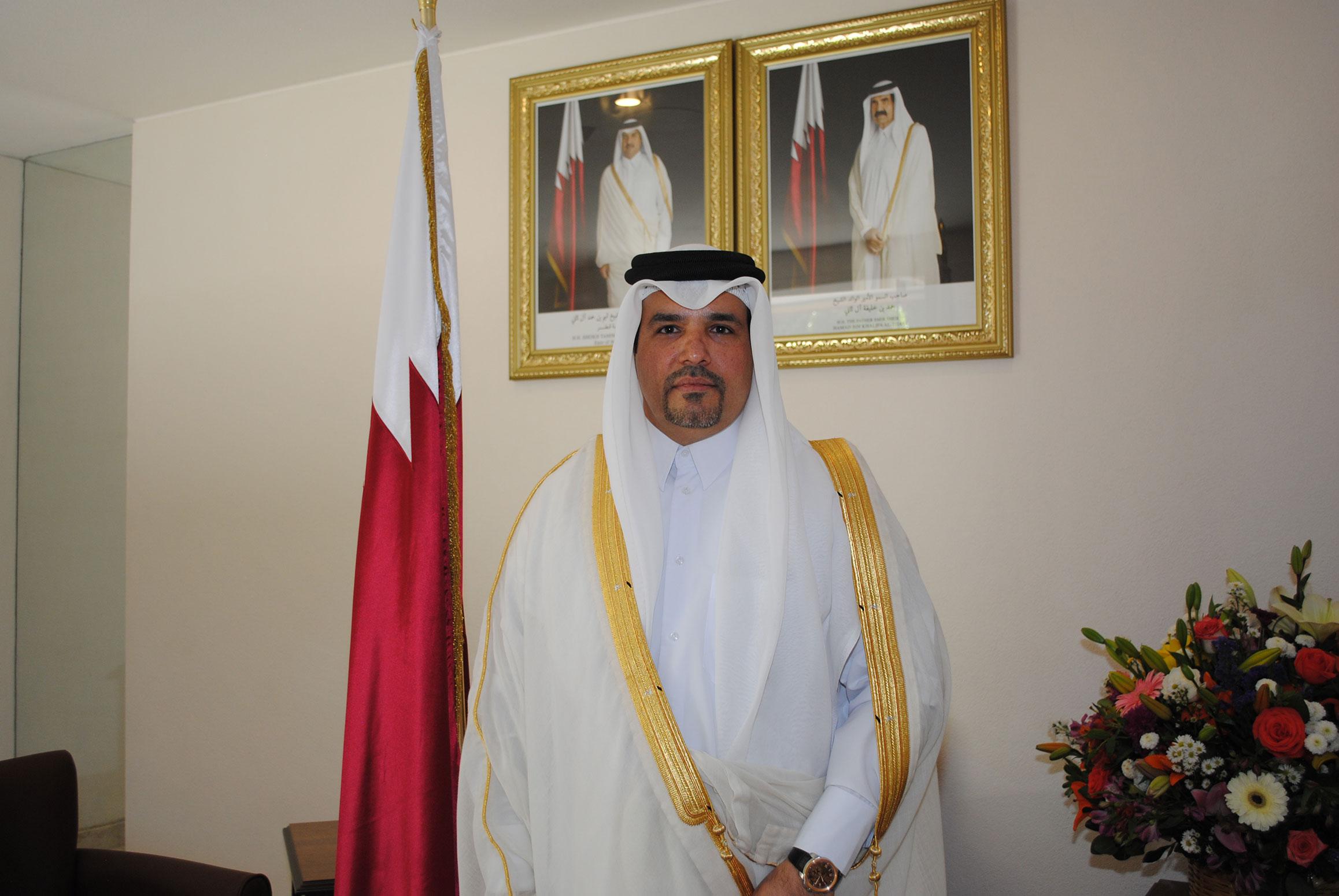 Ahmed Abdulla A. A. Al-Kuwari, embajador de Qatar, se encargó de recibir a los invitados en la nueva embajada catarí en México