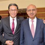 Andrian Yelemessov, embajador de Kazajstán, y Mohamed Saadat, embajador de la Delegación Especial de Palestina