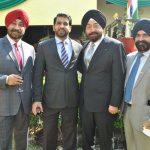 Jas Jit, Amar Jeet, Inder Singh y Denesh Dahn