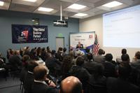 Conferencia Aspectos a considerar al asociarse con una empresa estadounidense