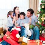 No es Santa Claus ni los Reyes Magos, los niños son felices porque están con sus padres