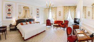 Las habitaciones del Hotel du Palais harán sentir como reyes a sus huéspedes