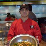 El chef Héctor Correa y su creación Bocai Beef