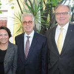 Esmirna Barros y su esposo, Enio Cordeiro, embajador de Brasil, con Ruslan Spírin, embajador de Ucrania. Revista Protocolo Copyright©