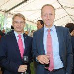 Roy Kennet Eriksson, embajador de Finlandia, y Henrik Bramsen Hahn, embajador de Dinamarca. Revista Protocolo Copyright©
