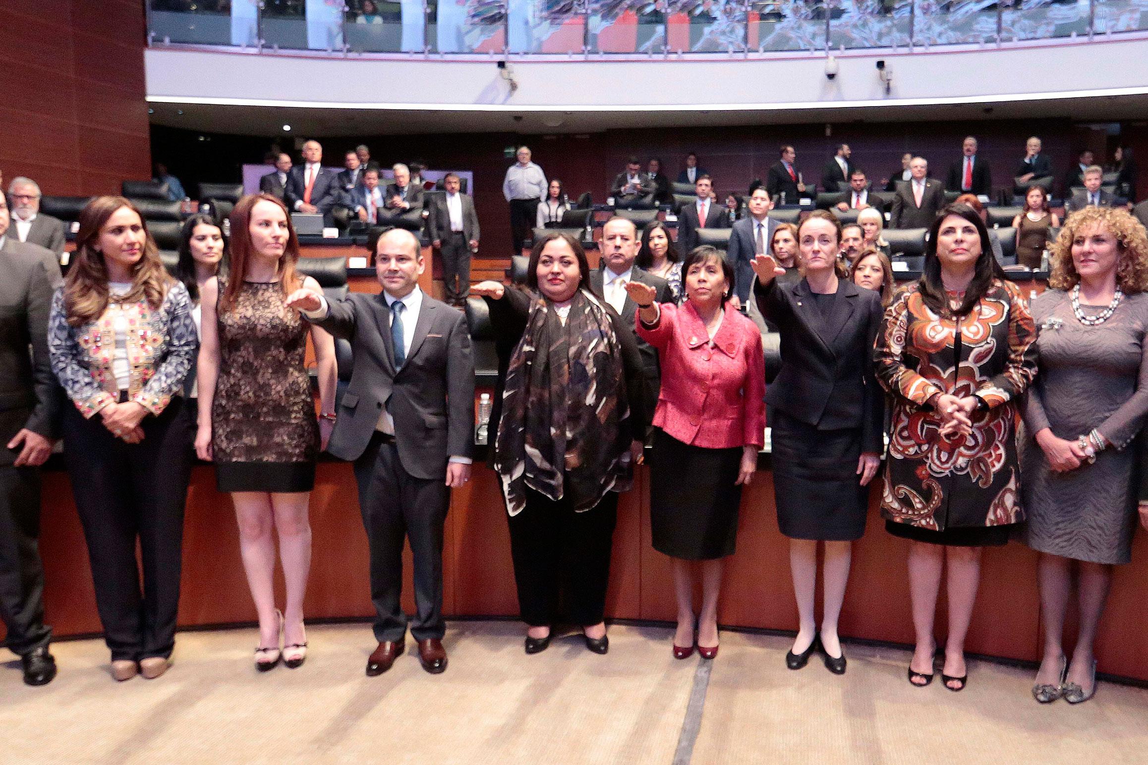Ratifican a cónsules de México en 4 ciudades de EEUU