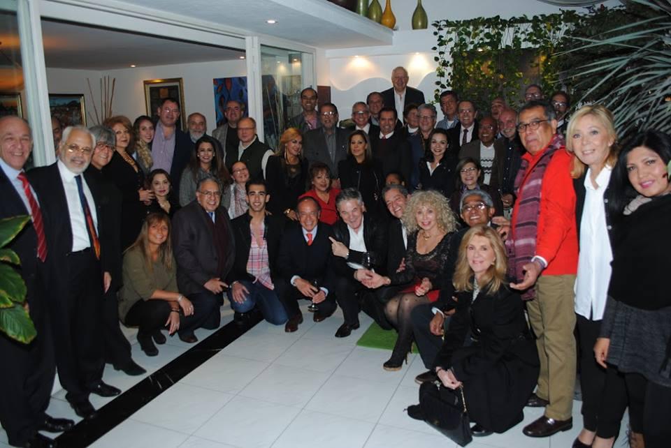 Algunos asistentes al convivio de Wendy Coss. Revista Protocolo Copyright©