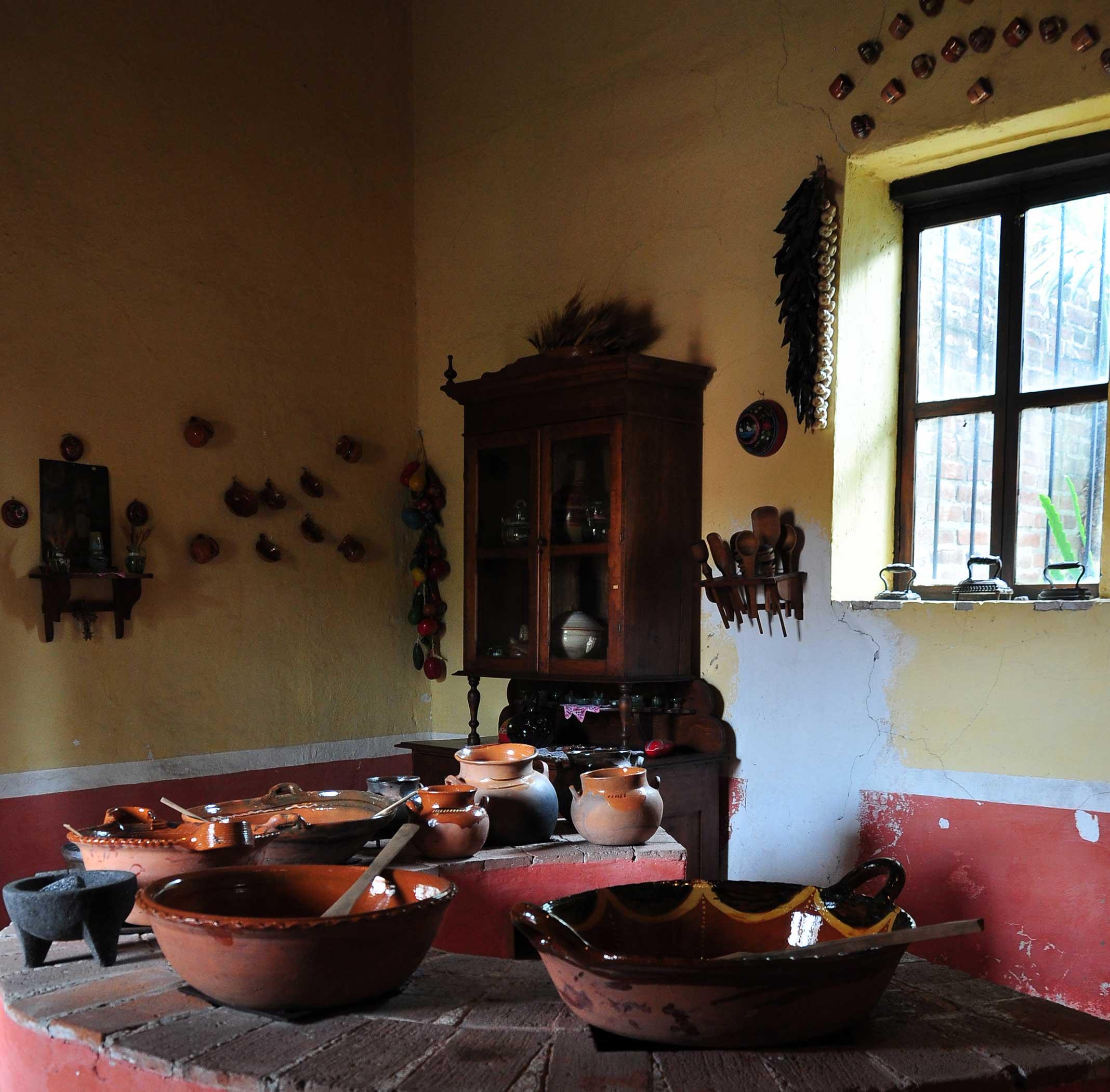 Revaloran el uso de utensilios tradicionales en la cocina for Utensilios de cocina mexicana