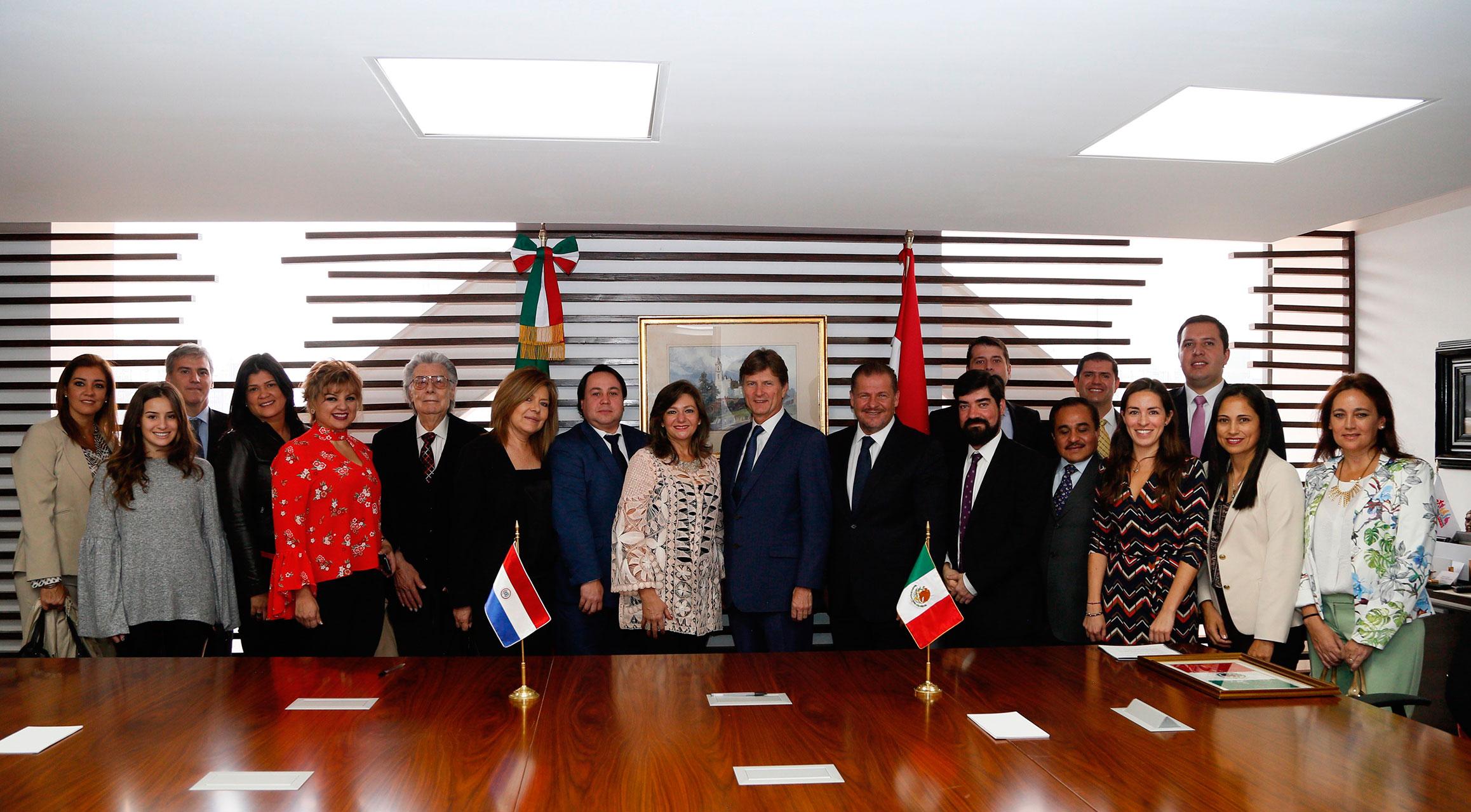La ministra de Turismo de Paraguay, Marcela Bacigalupo, se reunió con el secretario de Turismo de México, Enrique de la Madrid