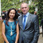 Siriporn Nimmanop y su esposo, David Engel, embajador de Australia