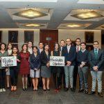 Jóvenes mexicanos se pronuncian en favor de la paz en Colombia