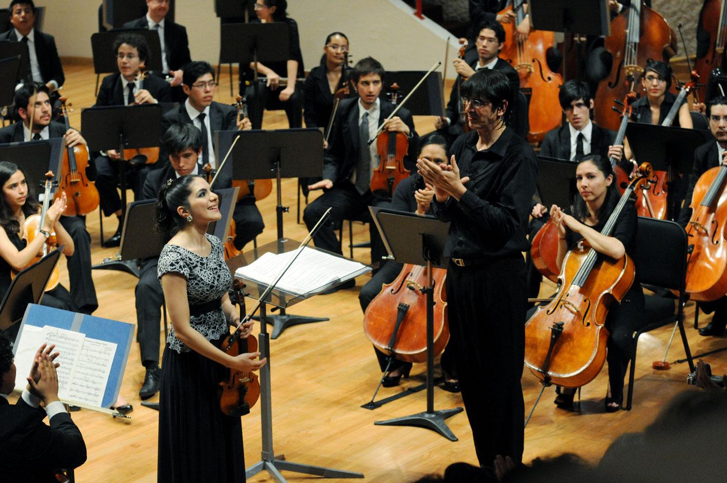 Se titulan primeros alumnos de la Licenciatura Instrumentista