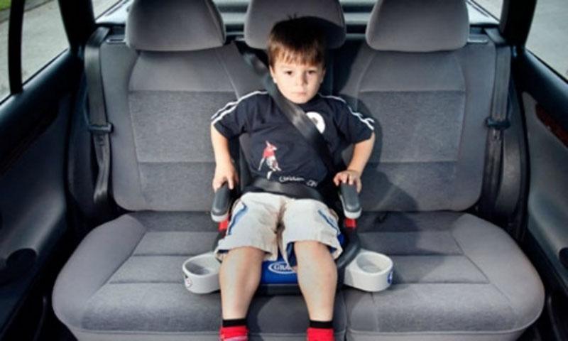 Proteja a ni os dentro del auto con sistemas de sujeci n for Sillas para auto ninos 9 anos