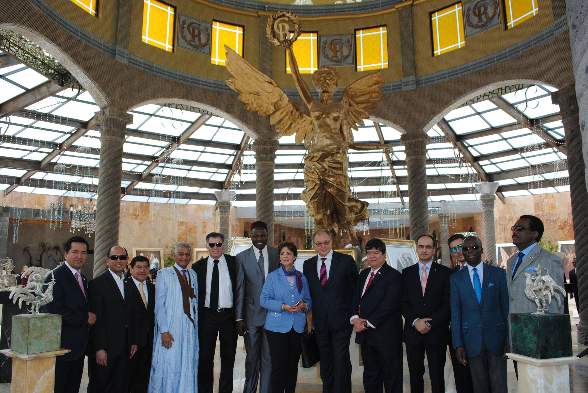 Directivos de Canacintra, diplomáticos y políticos convivieron con Guillermo Rebolledo en el recorrido especial por las instalaciones del Gran Relax Business Center Spa & Resort
