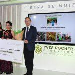 """Guacamayas verdes mexicanas, """"vuelan"""" rumbo a la Tierra de Mujeres"""