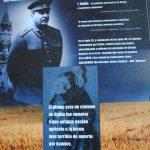 Los carteles recuerdan pasajes del Holomodor. Revista Protocolo Copyright©