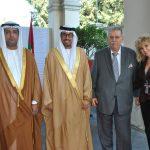 Abdulla Mohammed Al Suwaidi, Ahmed Hatem Al Menhali, embajador de los Emiratos Árabes Unidos, con Petros Panayotopoulos, embajador de Grecia, y Wendy Coss
