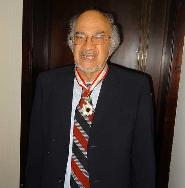 Dr. Víctor López Villafañe